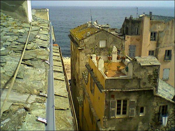 http://www.allo-olivier.com/Photos-Forum/Cordistes/Gouttiere-04.jpg